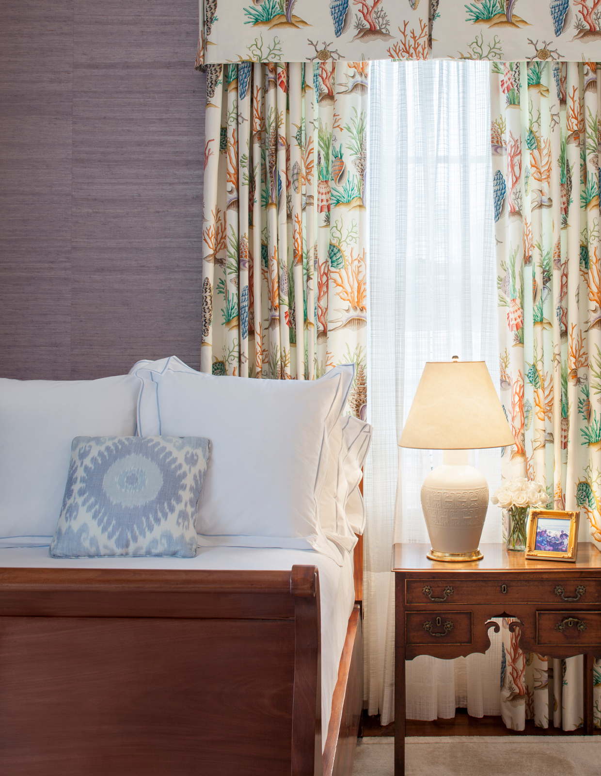rockcliff bed and curtains
