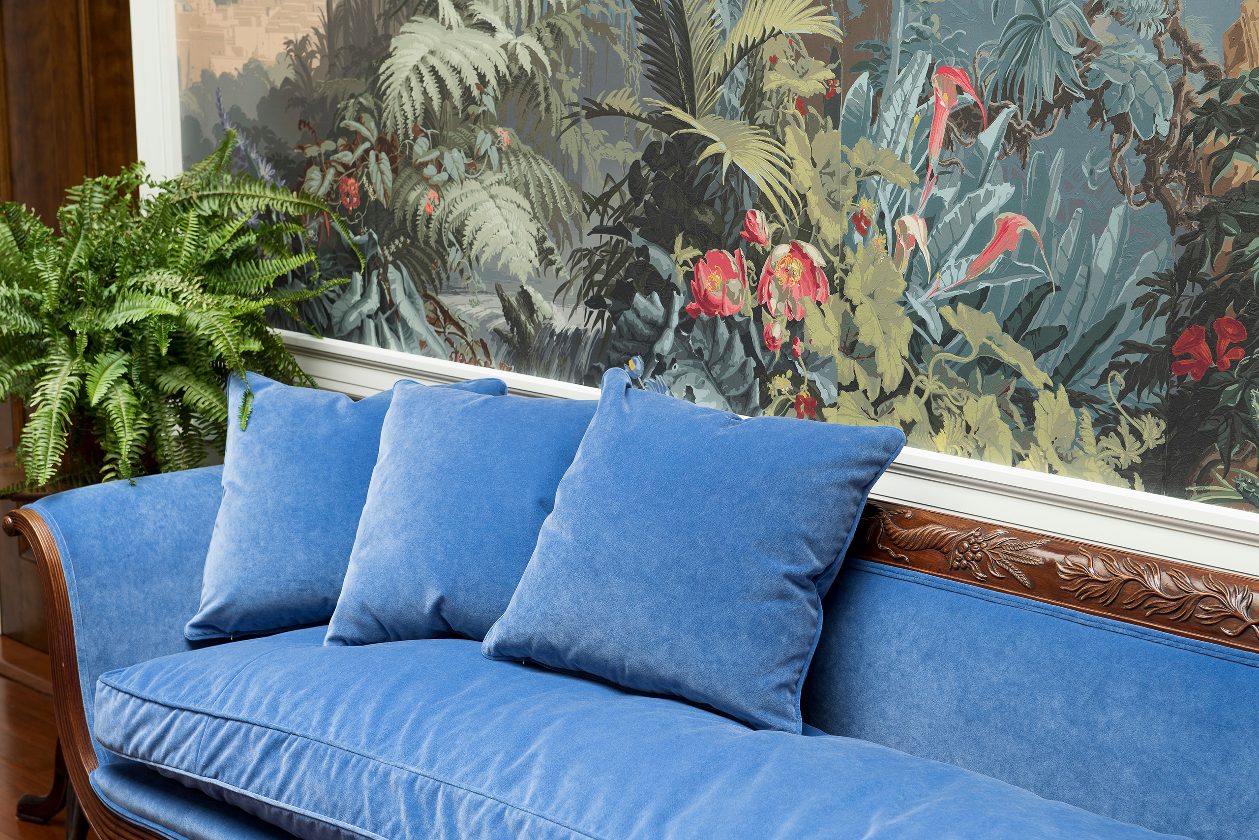 rockcliff blue bench and wallpaper