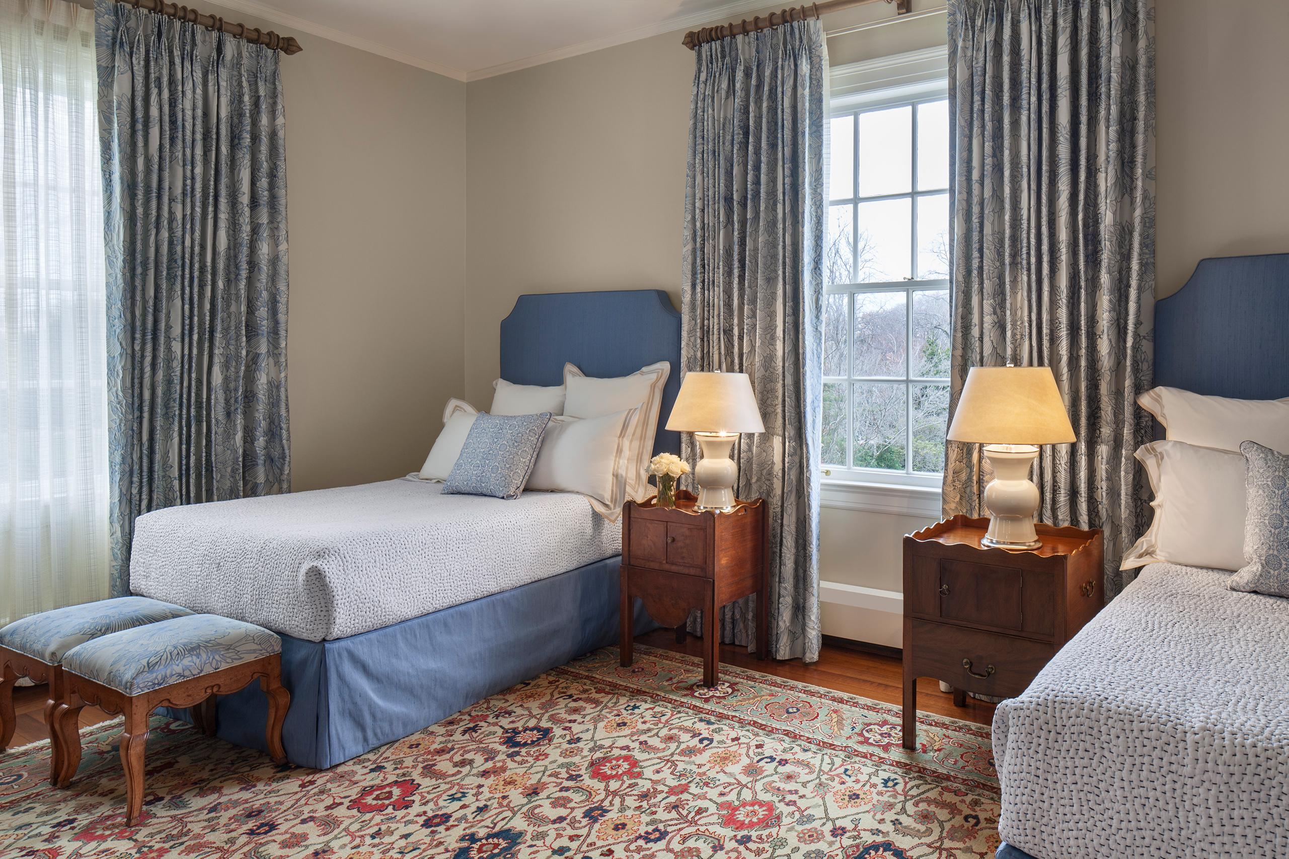 rockcliff twin bedroom