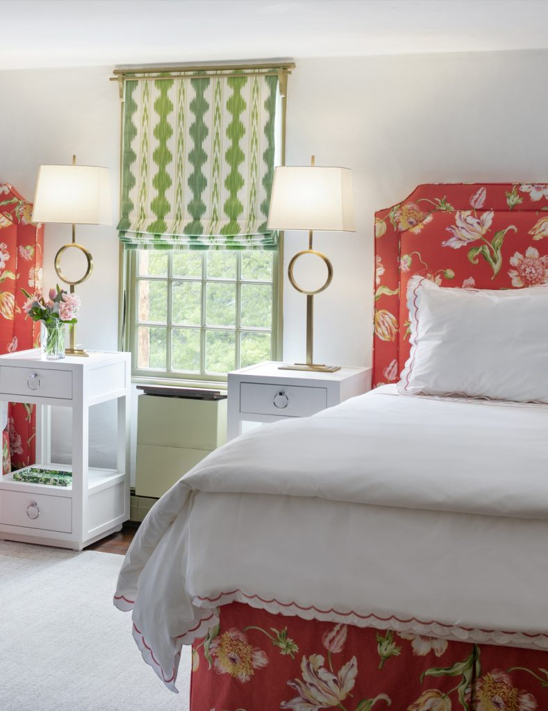 coral twin bedroom design, rhode island